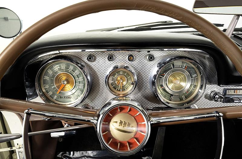 1959 Chrysler Windsor dash