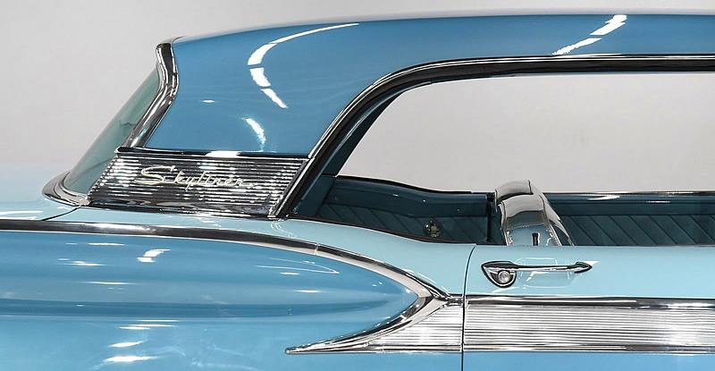 Thunderbird style C-pillar of the 1959 Galaxie Skyliner