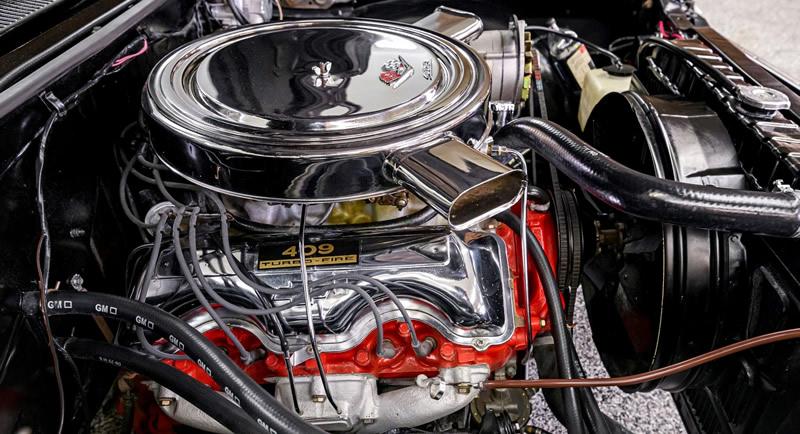 1963 Chevy 409 V8 engine