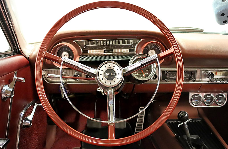 Instrument panel of a 63 Galaxie 500 XL