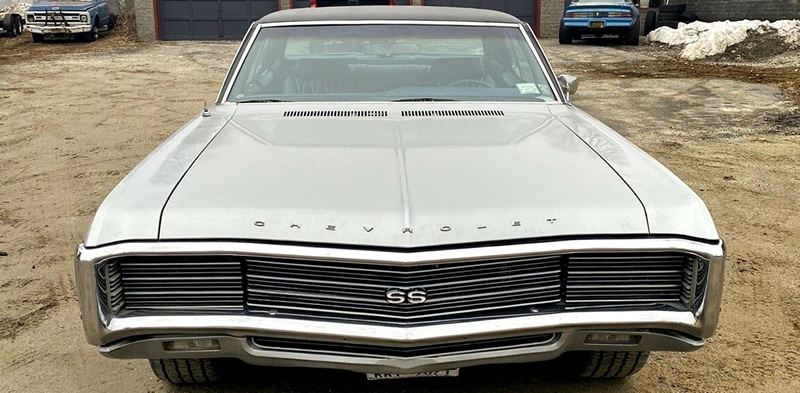front view of a 1969 Impala SS showing the grille