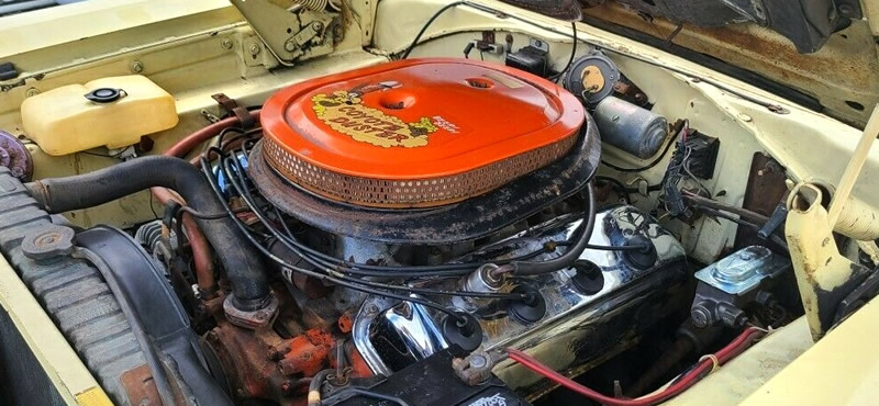 Plymouth 426 Hemi V8 engine from 1969