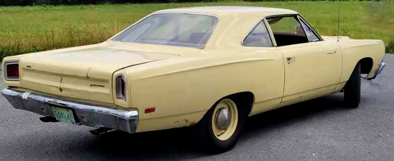 Rear view of a 69 Plymouth Road Runner with 426 hemi
