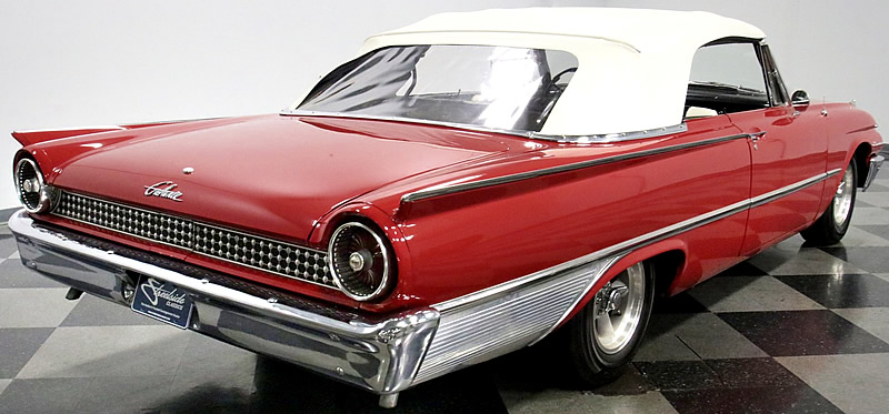 Rear view of a 1961 Ford Sunliner