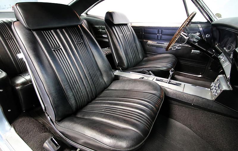 strato bucket seats in a 67 Impala SS