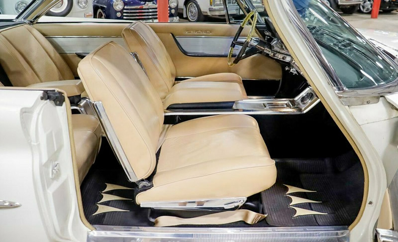 Interior of a 300G by Chrysler